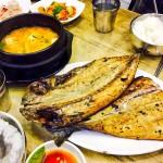 鍾路のハニル食堂でボリューム満点の焼き魚定食を堪能